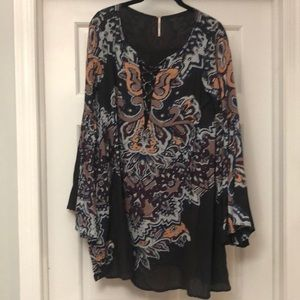 Free people floral tunic top!